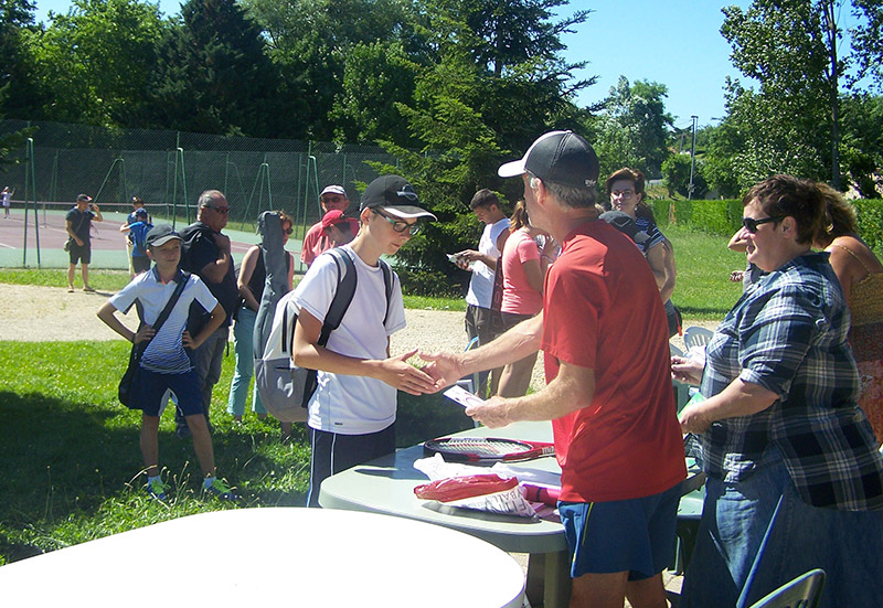 2017-06Tennis_Club_Creches_Chaintre_Barbecue2.jpg