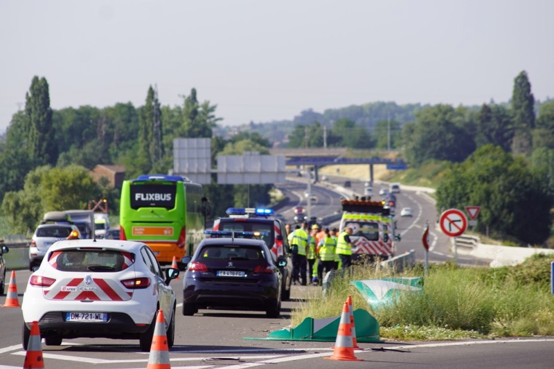 ACCIDENT 2MORTS AUTOROUTE MACON2 - 1.jpg