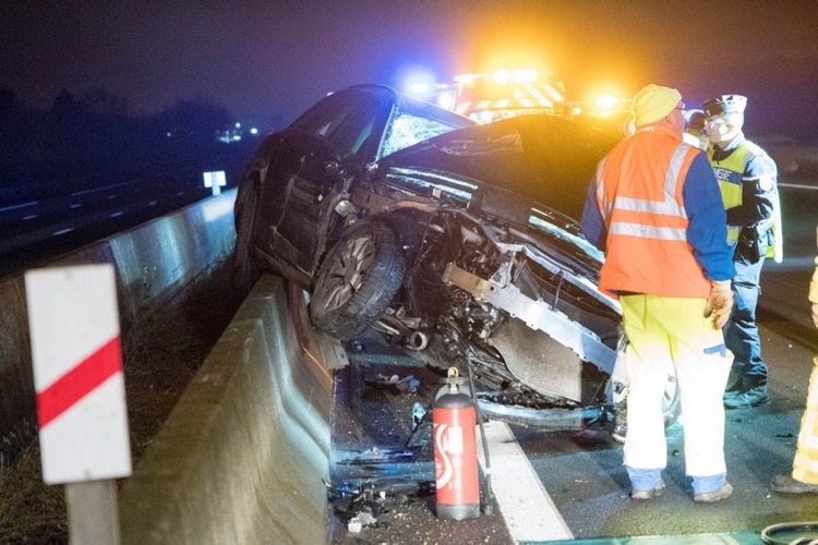 ACCIDENT AUTOROUTE CHARNAY 6DEC - 4.jpg