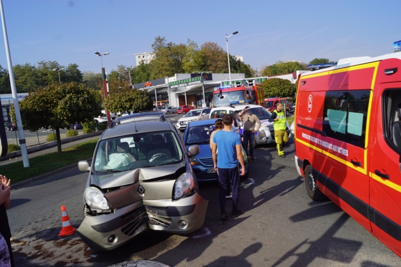 ACCIDENT MACON 19OCT RDPOINT PEUGEOT - 3.jpg