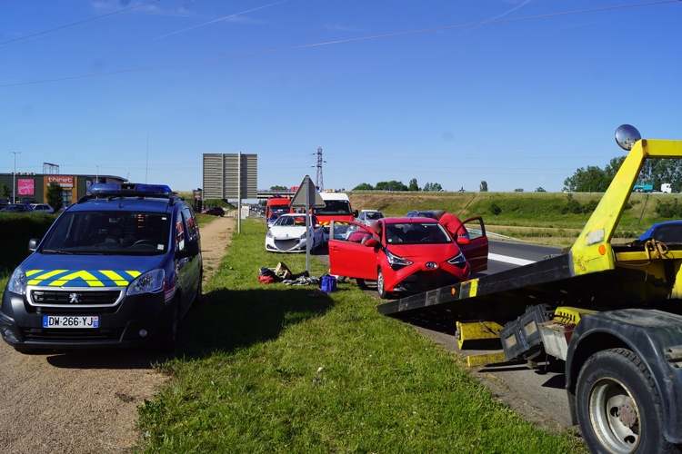 ACCIDENT VINZELLES 31MAI2.jpg