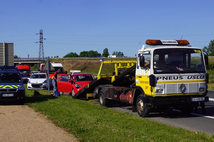ACCIDENT VINZELLES 31MAI5.jpg