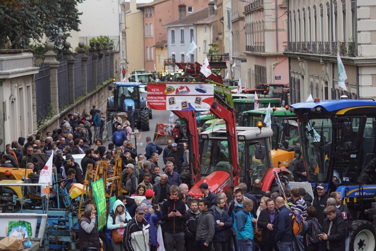 AGRICULTEURS COLERE MACON 22OCT 09.jpg