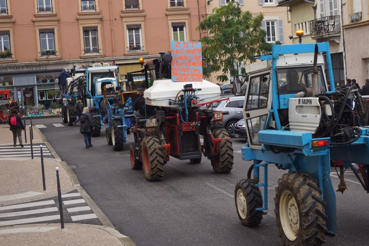 AGRICULTEURS COLERE MACON 22OCT 17.jpg