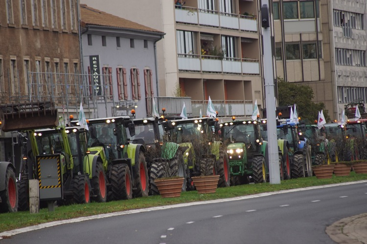 AGRICULTEURS COLERE MACON 22OCT 25.jpg
