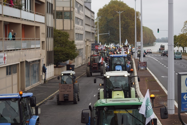AGRICULTEURS COLERE MACON 22OCT 32.jpg