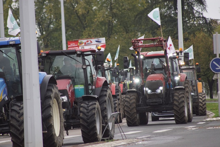 AGRICULTEURS COLERE MACON 22OCT 33.jpg