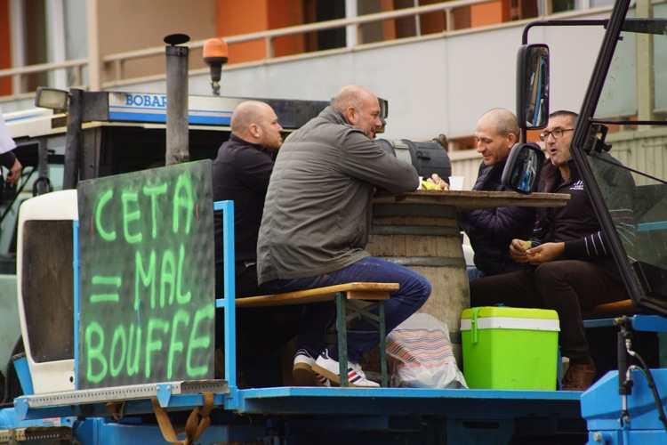 AGRICULTEURS COLERE MACON 22OCT 34.jpg