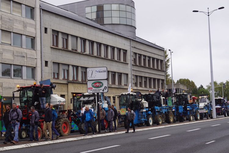 AGRICULTEURS COLERE MACON 22OCT 35.jpg