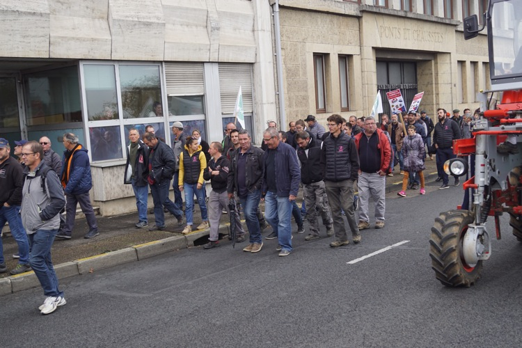AGRICULTEURS COLERE MACON 22OCT 37.jpg