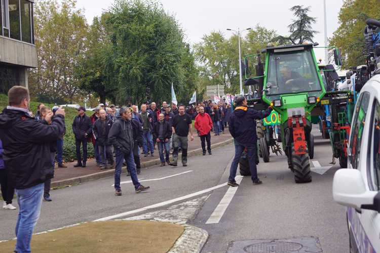 AGRICULTEURS COLERE MACON 22OCT 40.jpg