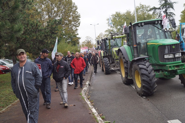 AGRICULTEURS COLERE MACON 22OCT 46.jpg