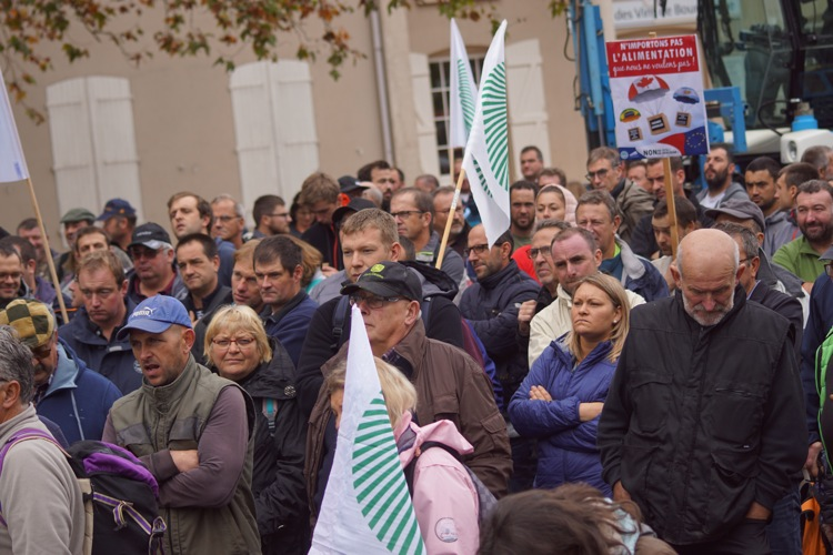 AGRICULTEURS COLERE MACON 22OCT 58.jpg