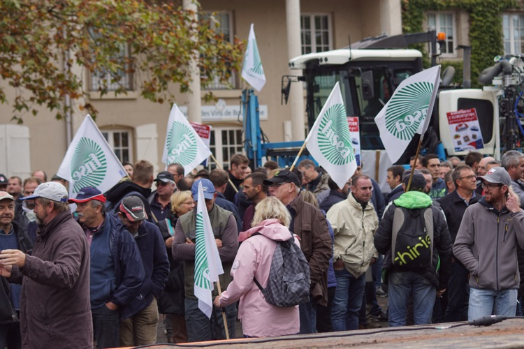 AGRICULTEURS COLERE MACON 22OCT 60.jpg