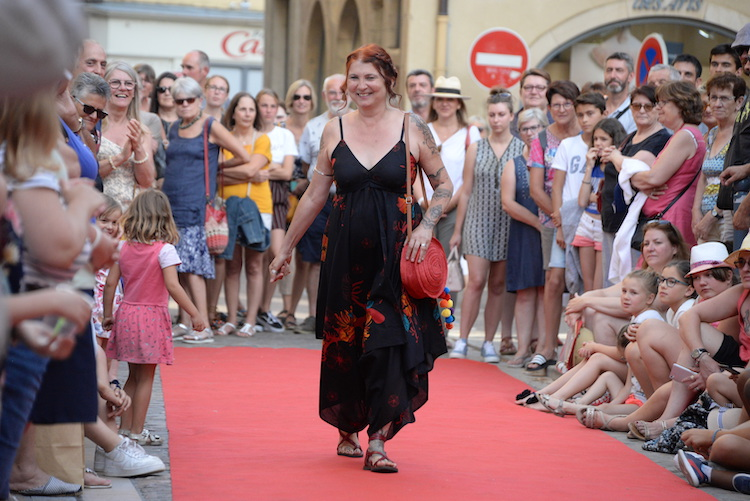 CLUNY defile commercants 2019 10.JPG