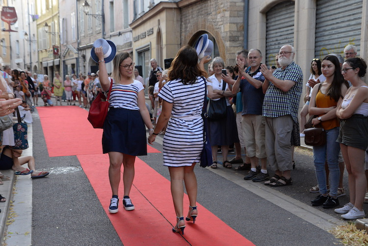 CLUNY defile commercants 2019 27.JPG