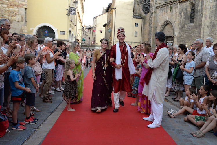 CLUNY defile commercants 2019 29.JPG