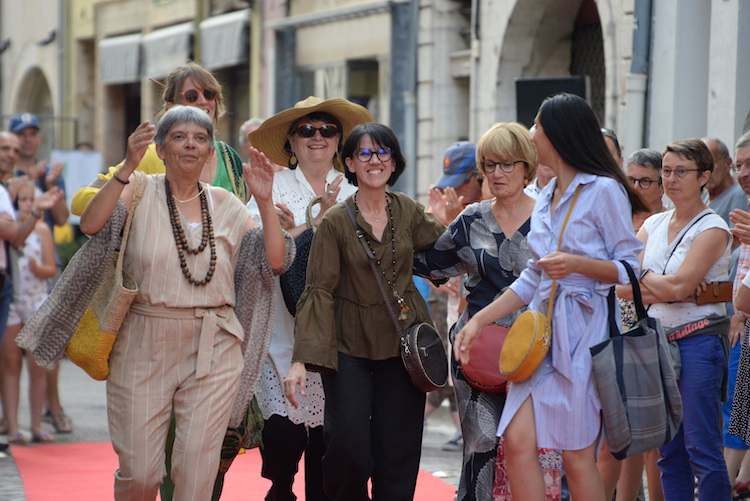 CLUNY defile commercants 2019 35.JPG