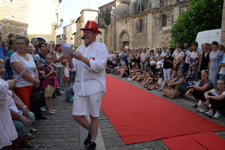CLUNY defile commercants 2019 7.JPG