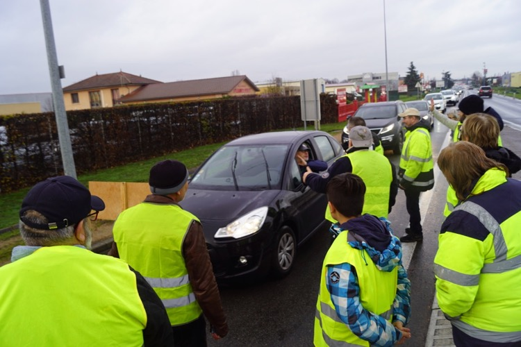 GILETS JAUNES MACON 23DEC - 4.jpg