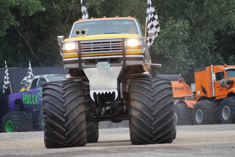 MONSTERTRUCKSMACON9.jpg