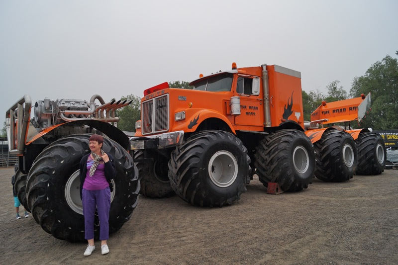 MONSTERTRUCKSMACON999.jpg