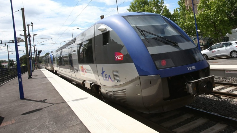 TRAIN TER MACON BOURGOGNE.jpg