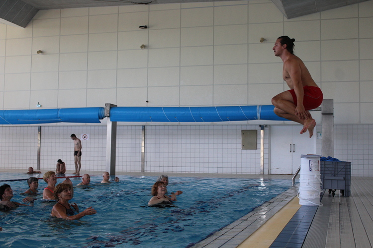 aquagym piscine Mâcon (42).JPG
