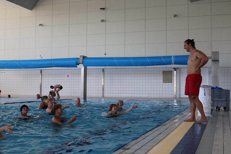 aquagym piscine Mâcon (40).JPG
