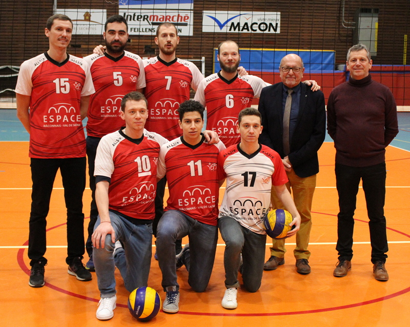 remise maillots volley VCM (12).JPG