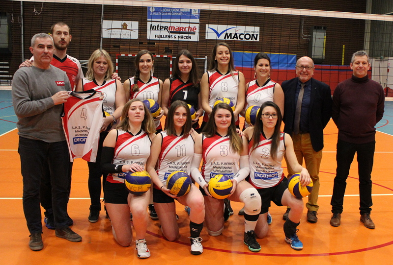 remise maillots volley VCM (8).JPG