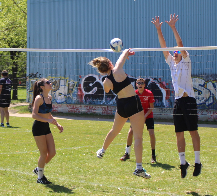 tournoi volley herbe VC Mâcon (124).JPG
