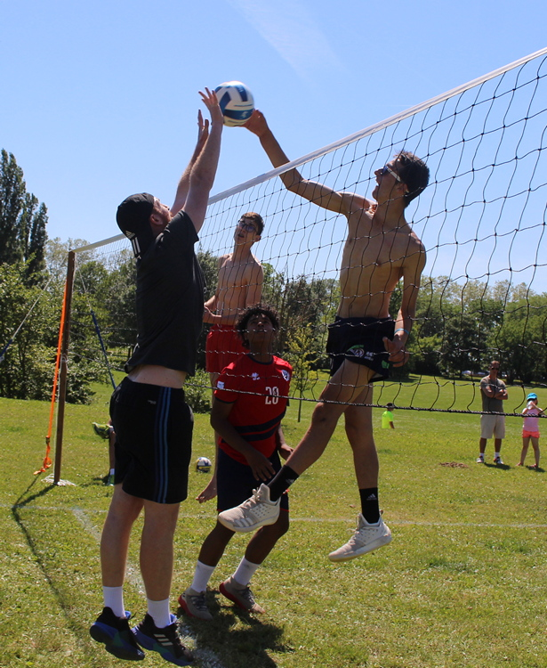 tournoi volley herbe VC Mâcon (85).JPG