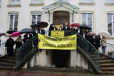 avocats manifestation juge instruction TGI Macon (25).JPG